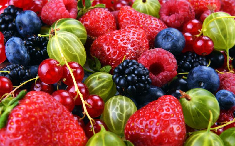 Spadły ceny truskawek z szypułką. A jak kształtują się ceny malin i agrestu?