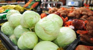 Niskie dostawy warzyw windują ich ceny?